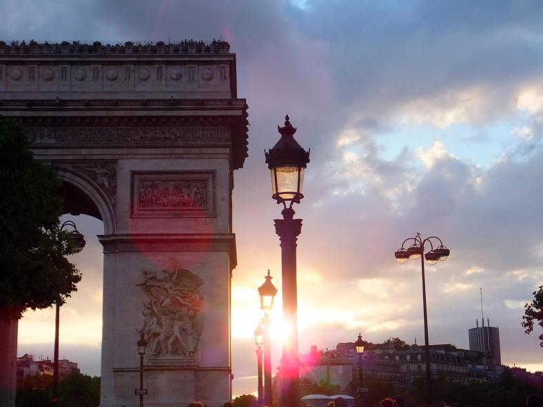 arc-de-triomphe-654114_1280